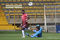 BOGOTA - COLOMBIA, 30-10-2020: Bogotá F.C. y  Fortaleza CEIF en partido por la fecha 15 del Torneo BetPlay DIMAYOR I 2020 jugado en el estadio Metropolitano de Techo de la ciudad de Bogota. / Bogota F.C. and Fortaleza CEIF in match for the date 15 as part of BetPlay DIMAYOR Tournament I 2020 played at the Metropolitano de Techo stadium of Bogota city. Photos: VizzorImage / Felipe Caicedo  / Staff
