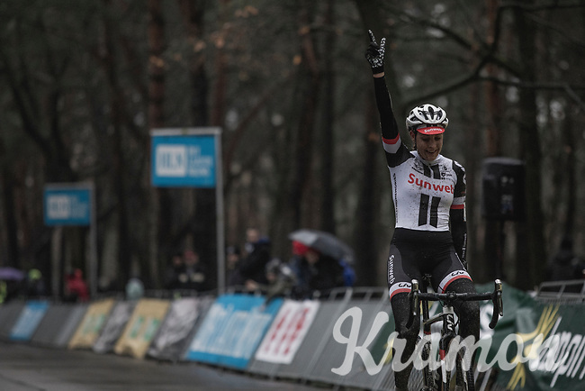 Race winner Lucinda Brand (NED/Team Sunweb) crossing teh finish line<br /> <br /> women's elite race<br /> Lampiris Zilvermeercross Mol / Belgium 2017
