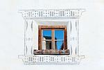Schweiz, Graubuenden, Muenstertal, Muenster: Fenster | Switzerland, Graubuenden, Muenster Valley, Muestair: window