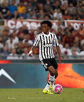Calcio, Serie A: Roma vs Juventus. Roma, stadio Olimpico, 30 agosto 2015.<br /> Juventus' Juan Cuadrado in action during the Italian Serie A football match between Roma and Juventus at Rome's Olympic stadium, 30 August 2015.<br /> UPDATE IMAGES PRESS/Isabella Bonotto