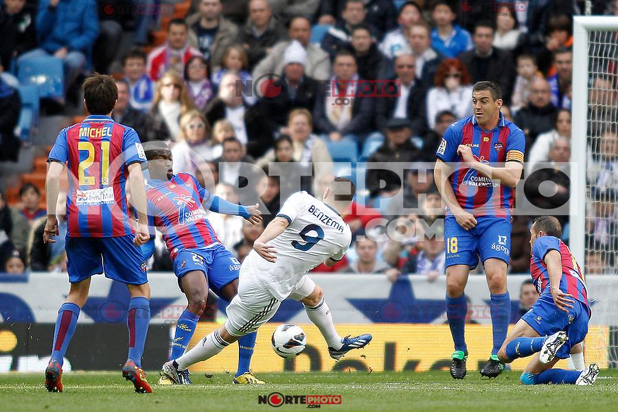 Real Madrid's Karim Benzema and Levante's Michel (l), Diop, Ballesteros and Iborra (r) during La Liga BBVA match. April 6, 2013.(ALTERPHOTOS/Alconada)