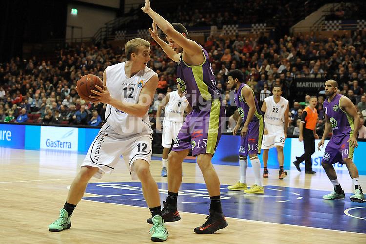 GRONINGEN - Basketbal, Flames - Magixx, Dutch Basketbal League, Martiiniplaza, seizoen 2013-2014, 14-12-2013,  Flames speler Ross Bekkering