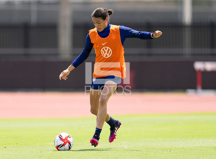 HOUSTON, TX - JUNE 8: Alana Cook #26 of the USWNT passes the ball during a training session at the University of Houston on June 8, 2021 in Houston, Texas.
