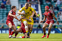 22nd May 2021; Twickenham, London, England; European Rugby Champions Cup Final, La Rochelle versus Toulouse; Ihaia West of La Rochelle is tackled by Antoine Dupont of Toulouse