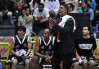 BOGOTÁ-COLOMBIA-09-03-2013.José Tapias, técnico de PIratas, gesticula durante partido de la décima fecha de la Liga Direct TV de baloncesto Profesional de Colombia 2013./ Jose Tapias, coach of Piratas, gestures during the game of the tenth date of Colombian Professional basketball League DirecTV 2013. Photo: VizzorImage/STR
