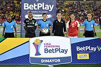 BOGOTA - COLOMBIA, 07-09-2021: Mariana Quintero, arbitra durante partido entre Independiente Santa Fe y Deportivo Cali de ida de la final por la Liga Femenina BetPlay DIMAYOR 2021 jugado en el estadio Nemesio Camacho El Campin en la ciudad de Bogota. / Mariana Quintero, referee during a match between Independiente Santa Fe and Atletico Nacional of the first leg of the final for the Women's League BetPlay DIMAYOR 2021 played at the Nemesio Camacho El Campin stadium in Bogota city. / Photo: VizzorImage / Luis Ramirez / Staff.
