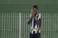 Saquarema (RJ), 28/03/2021 - Nova Iguaçu-Botafogo - Matheus Babi jogador do Botafogo,durante partida contra o Nova Iguaçu,válida pela 6ª rodada da Taça Guanabara,realizada no Estádio Elccyr Resende,distrito de Bacaxá,Saquarema (RJ),neste domingo (28).