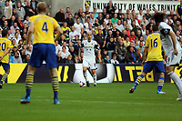 Saturday 28 September 2013<br /> Pictured: Jonjo Shelvey of Swansea (C)<br /> Re: Barclay's Premier League, Swansea City FC v Arsenal at the Liberty Stadium, south Wales.
