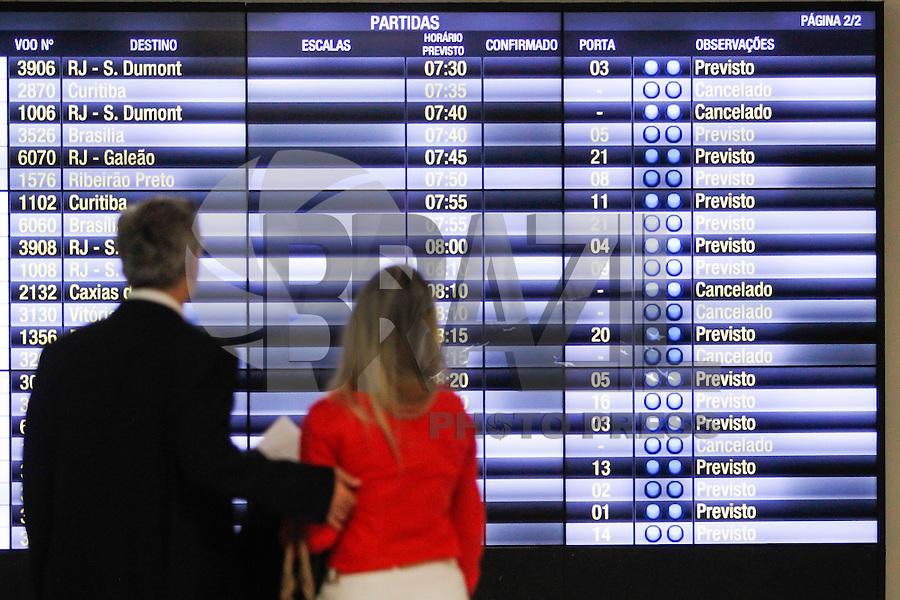 SÃO PAULO,SP, 03.02.2016 - AEROVIARIOS-SP - Aeroviários fazem greve e fecham o aeroporto de Congonhas, região sul de São Paulo nesta quarta-feira, 03. (Foto: Douglas Pingituro / Brazil Photo Press)