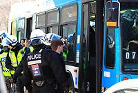 Arrestation des manifestants anti-austerité  par le SPVM le 24 Mars 2015<br /> <br /> FILE PHOTO -  Montreal Police arrest anti-austerity demonstrators, March 24, 2015<br /> <br /> PHOTO : Pierre Roussel - Agence Quebec Presse