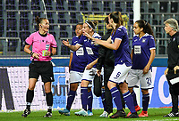 20190912 - Anderlecht , BELGIUM : Anderlecht's players with Laura Rus pictured getting in discussion with referee Rebecca Welch after a red card during the female soccer game between the Belgian Royal Sporting Club Anderlecht Dames  and BIIK Kazygurt from Shymkent in Kazachstan, this is the first leg in the round of 32 of the UEFA Women's Champions League season 2019-20120, Thursday 12 th September 2019 at the Lotto Park in Anderlecht , Belgium. PHOTO SPORTPIX.BE | DAVID CATRY