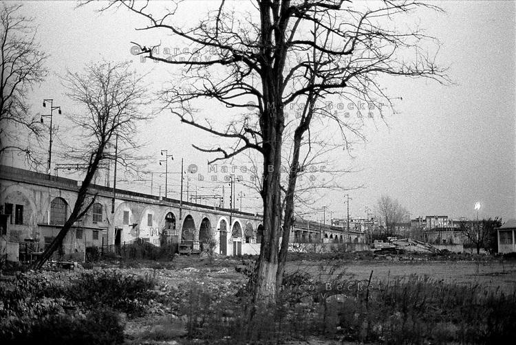 milano, quartiere greco, periferia nord. terreno dietro la ferrovia --- milan, greco district, north periphery. ground behind the railway