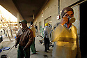 Iraq 2008.Bengali workers living in a former military building in Suleimania.Irak 2008.Des travailleurs immigres du Bengladesh vivant dans un ancien batiment de l'armee irakienne