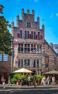 Deutschland, Nordrhein-Westfalen, Xanten: das Gotische Haus am Marktplatz   Germany, Northrhine-Westphalia, Xanten: 'The Gotic House' at market square