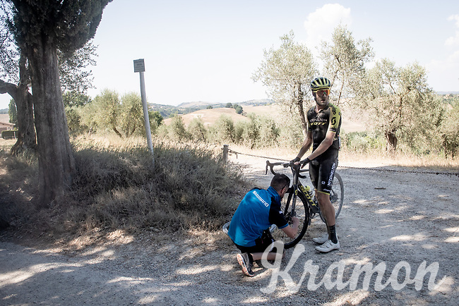 Luke Durbridge (AUS/Michelton-Scott) in need of some neutral assistence<br /> <br /> 14th Strade Bianche 2020<br /> Siena > Siena: 184km (ITALY)<br /> <br /> delayed 2020 (summer!) edition because of the Covid19 pandemic > 1st post-Covid19 World Tour race after all races worldwide were cancelled in march 2020 by the UCI
