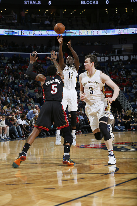 NEW ORLEANS, LA - MARCH 22:  during an NBA game on March 22, 2016 at the Smoothie King Center in New Orleans, Louisiana. NOTE TO USER: User expressly acknowledges and agrees that, by downloading and or using this Photograph, user is consenting to the terms and conditions of the Getty Images License Agreement. Mandatory Copyright Notice: Copyright 2015 NBAE (Photo by Jonathan Bachman/NBAE via Getty Images)