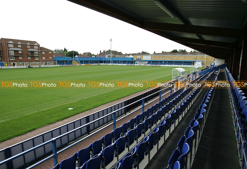 General view from the main stand at the New Rec - Grays Athletic Football Club - 12/08/05 - MANDATORY CREDIT: Gavin Ellis/TGSPHOTO. Self-Billing applies where appropriate. NO UNPAID USE. Tel: 0845 094 6026