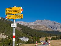 Wanderwege im Schweizer Nationalpark, Val Müstair-Münstertal, Engadin, Graubünden, Schweiz, Europa<br /> Hiking trails, Swiss Nationalpark, Val Müstair-Münster Valley, Engadine, Grisons, Switzerland
