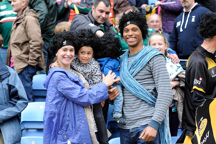 Fans wearing the Ashley Johnson wigs to support research into brain tumours