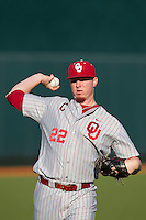 Oklahoma Sooners starting pitcher Jonathan Gray #22 warms up before the NCAA baseball game against the Texas Longhorns on April 5, 2013 at UFCU DischFalk Field in Austin Texas. Oklahoma defeated Texas 2-1. (Andrew Woolley/Four Seam Images).