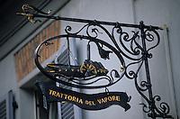 "Europe/Italie/Lac de Come/Lombardie/Cernobbio : Enseigne ""Trattoria del Vapore"""