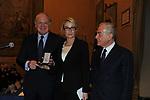 PAOLO SCARONI CON ROMANA LIUZZO E GIANNI LETTA<br /> PREMIO GUIDO CARLI - TERZA  EDIZIONE<br /> PALAZZO DI MONTECITORIO - SALA DELLA LUPA<br /> CON RICEVIMENTO  HOTEL MAJESTIC   ROMA 2012