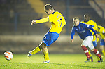 Cowdenbeath v St Johnstone ..17.12.12      Scottish Cup.Steven MacLean scores from the penalty spot.Picture by Graeme Hart..Copyright Perthshire Picture Agency.Tel: 01738 623350  Mobile: 07990 594431