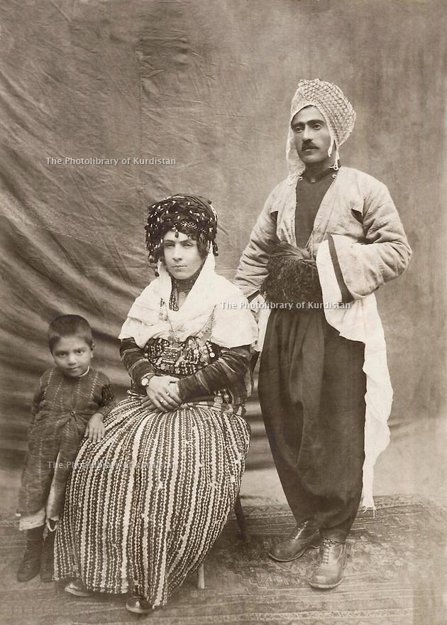 Iran 1930? .Mohammed Amini with his wife,Shkofa and their child, Mustafa .Iran 1930? .Mohammed Amini avec sa femme, Shkofa et leur fils, Mustafa