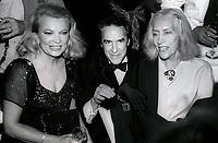Gina Rowlands John Cassavetes Gloria Swanson 1982<br /> Photo By John Barrett/PHOTOlink