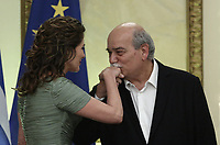 Pictured L-R: The Prime Minister's wife Betty (Peristera) Baziana has her hand kissed by the Speaker of the Greek Parliament Nikolaos Voutsis during the official state dinner at the Presidential Mansion in Athens, Greece. Wednesday 09 May 2018 <br /> Re: Official visit of HRH Prnce Charles and his wife the Duchess of Cornwall to Athens, Greece.