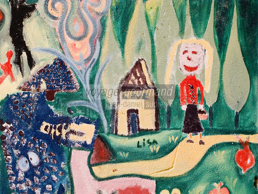 Europe/France/Languedoc-Roussillon/30/Gard/ Saint-Bonnet-du Gard: Dessin d'enfants sur un mur sur le thème de la vigne non loin de la cave coopérative