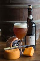 France, Pas-de-Calais (62), Côte d'Opale,Tardinghen:  Brasserie artisanale des 2 Caps - La Belle Dalle, bière élaborée à partir d'une seule variété d'orge de printemps, provenant exclusivement de la Ferme du Domaine de Belle Dalle ,elle s'accorde tout naturellement avec le fromage produit par la ferme du vert  dont la croûte est lavée avec cette même bière.  // France, Pas de Calais, Opal Coast, Tardinghen:  Craft brewery, Brasserie artisanale des 2 Caps