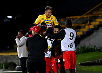 BOGOTA - COLOMBIA, 20-09-2021: Jugadores de La Equidad celebran el gol anotado a Deportivo Pereira durante partido entre La Equidad y Deportivo Pereira de la fecha 10 por la Liga BetPlay DIMAYOR II 2021, jugado en el estadio Metropolitano de Techo en la ciudad de Bogota. / Players of La Equidad celebrates a scored goal to Deportivo Pereira during a match between La Equidad and Deportivo Pereira of the 10th date for BetPlay DIMAYOR II 2021 League at the Metropolitano de Techo stadium in Bogota city. / Photo: VizzorImage / Samuel Norato / Cont.