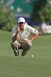 Dubai World Championship Golf. Earth Course,.Jumeirah Golf Estate, Dubai, U.A.E...Padraig Harrington lines up his third shot on the 1st during the second round of the Dubai World Golf championship..Photo: Fran Caffrey/www.golffile.ie...