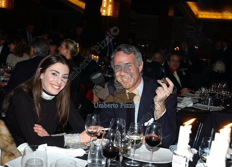 """ALBERTINA CARRARO  CON STEFANO PULSONI<br /> VERNISSAGE """"ROMA 2006 10 ARTISTI DELLA GALLERIA FOTOGRAFIA ITALIANA"""" AUDITORIUM DELLA CONCILIAZIONE ROMA 2006"""