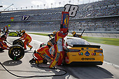 Monster Energy NASCAR Cup Series<br /> The Advance Auto Parts Clash<br /> Daytona International Speedway, Daytona Beach, FL USA<br /> Sunday 11 February 2018<br /> Kyle Busch, Joe Gibbs Racing, M&M's Toyota Camry pit stop<br /> World Copyright: Matthew T. Thacker<br /> LAT Images