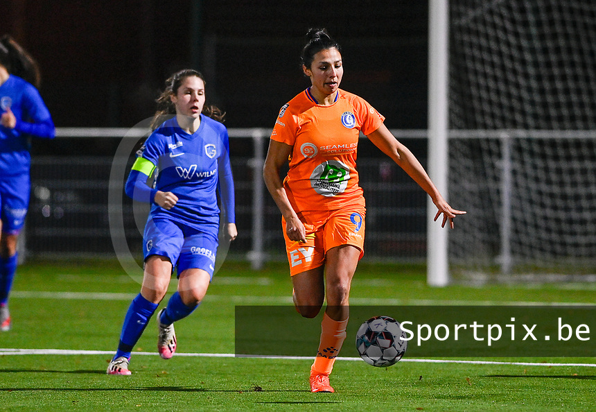 Jolet Lommen (9) of AA Gent pictured in action during a female soccer game between  Racing Genk Ladies and AA Gent Ladies on the eleventh matchday of the 2020 - 2021 season of Belgian Scooore Womens Super League , friday 22 th of January 2021  in Genk , Belgium . PHOTO SPORTPIX.BE | SPP | DAVID CATRY
