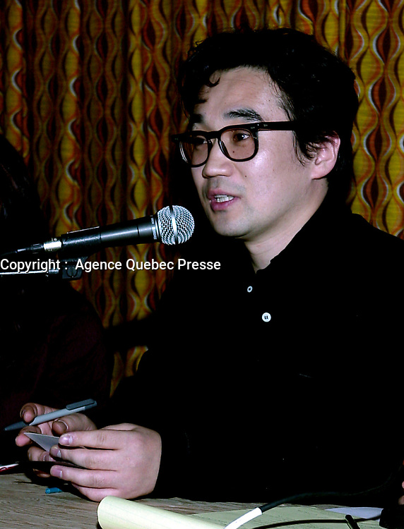 ID :  pr_99-12-04-A<br /> D & K :  Montreal, 1999-12-04. South-Korean filmmaker Yun-Tae Kim during an workshop on Korean cinema new-wave organised by the Amerasia film festival in Montreal (Quebec, Canada)<br /> KEYWORDS :   Canada, Montreal, Quebec<br /> Photo : (c) Pierre Roussel, 1999