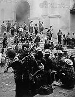 Markt in Chichicastenango im Hochland von Guatemala, 1970er Jahre. Market at Chichicastenango in the highlands of Guatemala, 1970s.