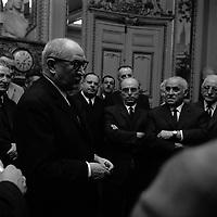 25 Avril 1969. Vue de Guy Mollet lors d'une réception dans une salle du Capitole.<br /> <br /> Alcide Guy Mollet2, dit Guy Mollet, né officiellement le 31 décembre 1905 à Flers (Orne) et mort le 3 octobre 1975 à Paris, est un homme d'État français, secrétaire général de la SFIO de 1946 à 1969, président du Conseil sous la IVe République de février 1956 à juin 1957.