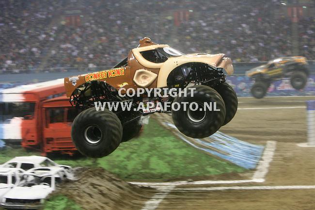 Arnhem 270908 overweldigende belangstelling voor Monsterjam in het gelredome<br /> Foto frans Ypma APA-foto