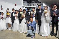 - Milano, Esposizione Mondiale Expo 2015, matrimonio collettivo presso il padiglione  del Gruppo Imprese Cinesi Riunite<br /> <br /> - Milan, the World Exhibition Expo 2015, collective wedding  at China Corporate United Pavilion