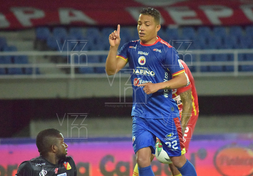 PEREIRA - COLOMBIA, 15-11-2020: Feiver Mercado del Pasto celebra después de anotar el primer gol de su equipo durante partido por la fecha 20 de la Liga BetPlay DIMAYOR 2020 entre Deportivo Pereira y Deportivo Pasto jugado en el estadio Hernan Ramirez Villegas en Pereira. / Feiver Mercado of Pasto celebrates after scoring the first goal of his team during match for the for the date 20 as part of BetPlay DIMAYOR League 2020 between Deportivo Pereira and Deportivo Pasto played at Hernan Ramirez Villegas stadium in Pereira city.  Photo: VizzorImage / Pablo Bohorquez / Cont