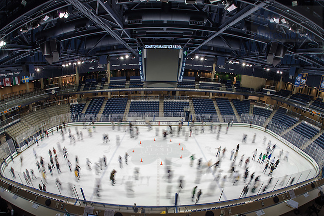 """Jan. 31, 2015; Student Activities Office's<br /> """"COLD AS ICE"""" event in the Compton Family Ice Arena. (Photo by Matt Cashore/University of Notre Dame)"""