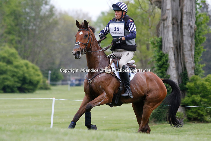 April 24, 2021: #35 On Cue and rider Boyd Martin in the Cross Country test at the Land Rover Three Day Event at the Kentucky Horse Park in Lexington, KY on April 24, 2021.  Candice Chavez/ESW/CSM