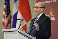 Montreal (Qc) Canada -May 29 2010- THE HONORABLE DAVID JACOBSON, UNITED STATES AMBASSADOR TO<br />               CANADA, AT THE CANADIAN CLUB OF MONTREAL'S PODIUM