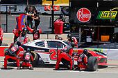 #20: Christopher Bell, Joe Gibbs Racing, Toyota Supra Rheem / RTP pit stop