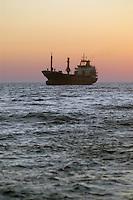 - cargo ship in navigation in the southern Adriatic sea....- nave da carico in navigazione nel mare Adriatico meridionale