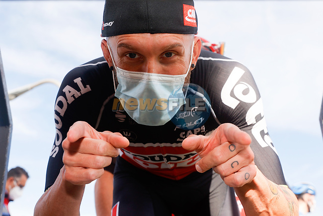Lotto-Soudal at sign on before the start of Stage 11 of the Vuelta Espana 2020 running 170km from Villaviciosa to Alto de la Farrapona, Spain. 31st October 2020.    <br /> Picture: Luis Angel Gomez/PhotoSportGomez | Cyclefile<br /> <br /> All photos usage must carry mandatory copyright credit (© Cyclefile | Luis Angel Gomez/PhotoSportGomez)