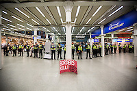 """16.10.2015 - """"Civil Disobedience Now, Solidarity with Migrants!"""" at London Eurostar Terminus"""